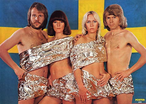 1975_abba_w_swedish_flag